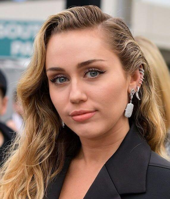 Miley Cyrus Net Worth 2020 - How Much is She Worth? - FotoLog